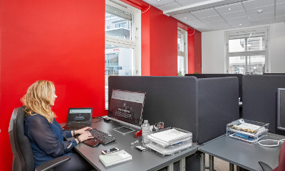 Fast plass i åpent landskap hos Business Lillestrøm - Foto: Desimal